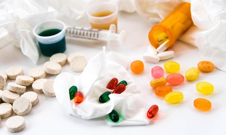 Dùng thuốc cải thiện các triệu chứng mãn kinh