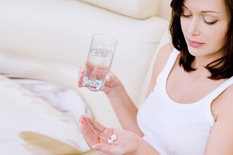 Thuốc tây y giúp giảm nhanh triệu chứng viêm âm đạo do nấm