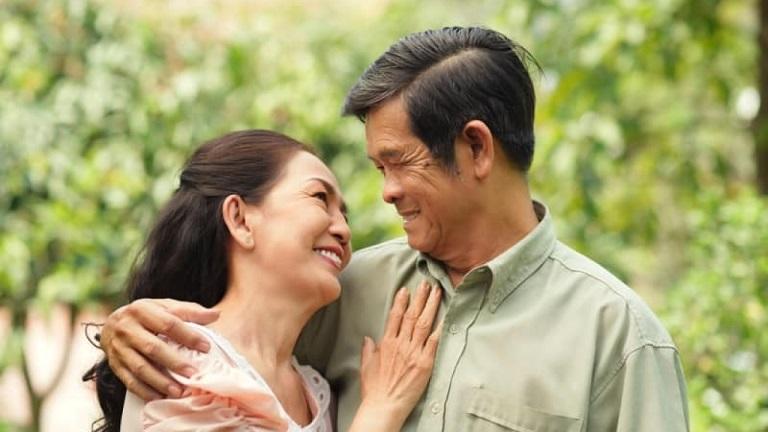 Mãn kinh đến muộn giúp đời sống vợ chồng thăng hoa hơn
