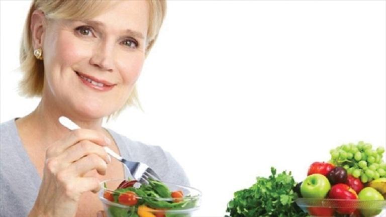 Phòng ngừa mãn kinh tái phát bằng chế độ ăn uống khoa học