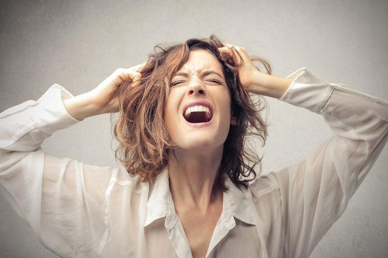 Mất ngủ tiền mãn kinh gây ảnh hưởng đến tâm lý, sinh hoạt của phụ nữ