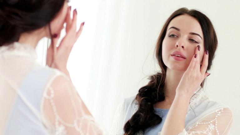 Tiền mãn kinh có triệu chứng gì? Sớm nhận biết sẽ giúp chị em điều trị hiệu quả