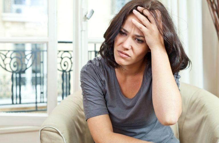 Sự bất thường trong tâm trạng và cảm xúc do những bất thường trong cơ thể gây nên