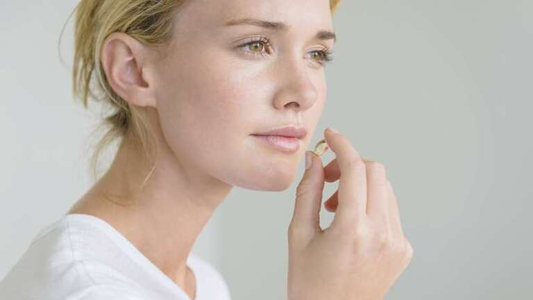 Suy giảm nội tiết ảnh hưởng rất lớn đến sức khỏe và sắc đẹp của chị em phụ nữ