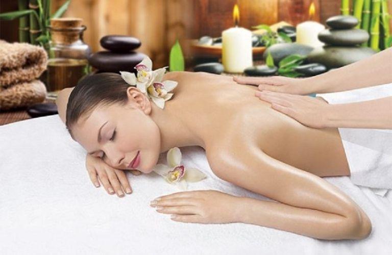 Massage giúp cơ thể thư giãn, tăng lưu thông máu toàn cơ thể