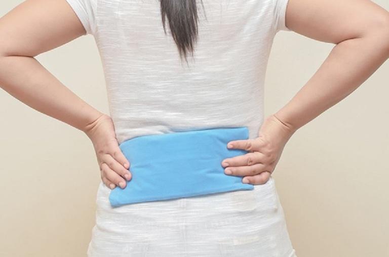 Chườm nóng/ lạnh giúp giảm cơn đau hiệu quả