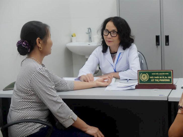Thầy thuốc ưu tú, BS CKII Lê Phương - Giám đốc chuyên môn Bệnh viện YHCT Xương khớp Quân dân 102