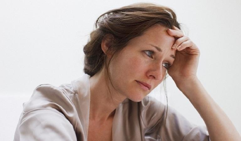 Các triệu chứng khó chịu do mãn kinh, tiền mãn kinh gây ra hoàn toàn có thể khắc phục