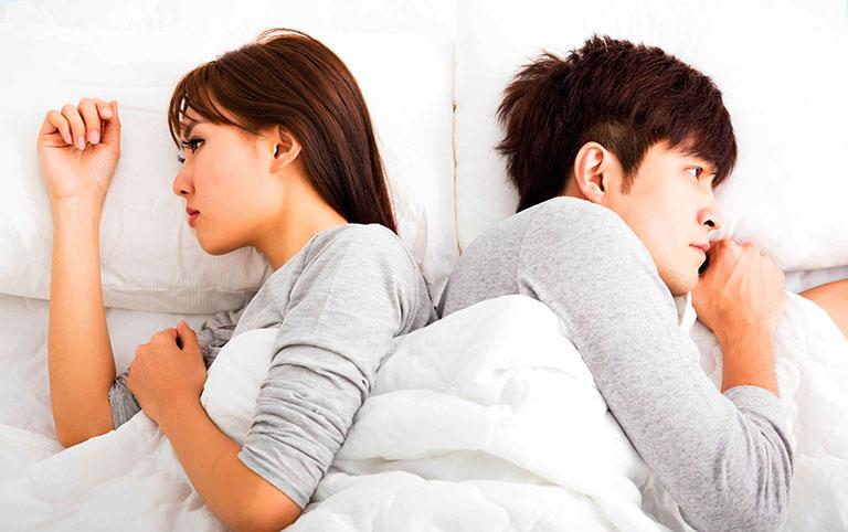 Vợ chồng cãi vã, mối quan hệ trong gia đình không như ý