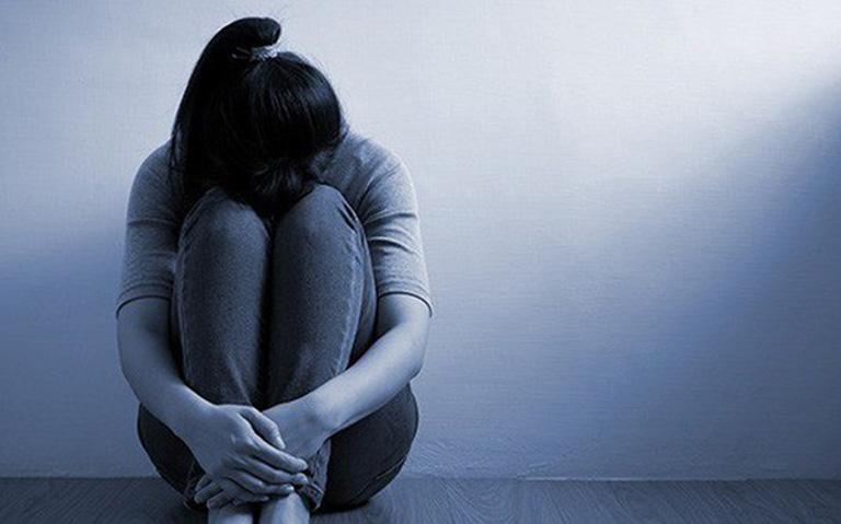 Chị Quỳnh mệt mỏi, phiền muộn vì đời sống tình dục không được như mong muốn khi vẫn còn trẻ