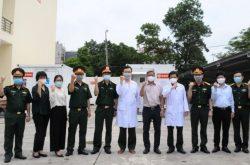 Thứ trưởng Bộ Y tế Nguyễn Trường Sơn làm việc cùng đoàn của Trung tâm Nhiệt đới Việt - Nga.