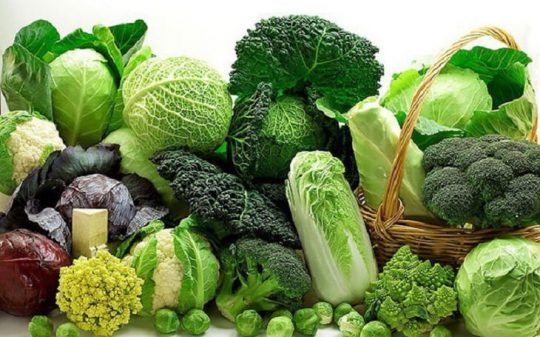 Viêm cổ tử cung nên ăn gì? - Bổ sung rau xanh và trái cây tươi