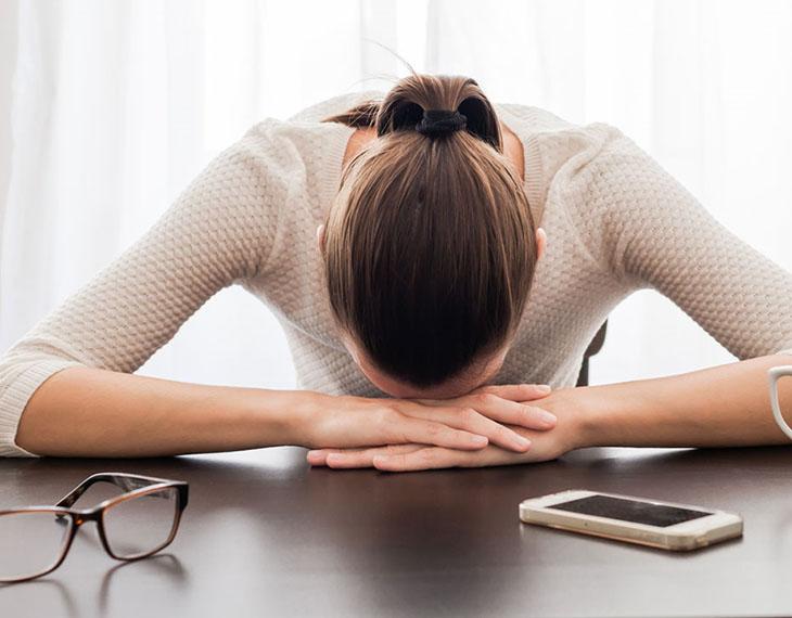 Hàm lượng testosterone gây ra tình trạng mệt mỏi, cơ thể yếu ớt