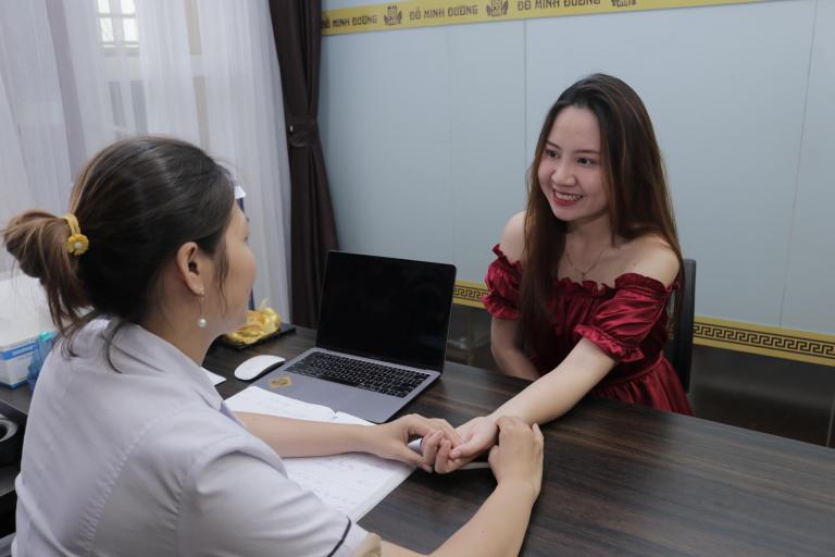 Kết quả điều trị tại Đỗ Minh Đường khiến chị Ly rất hài lòng
